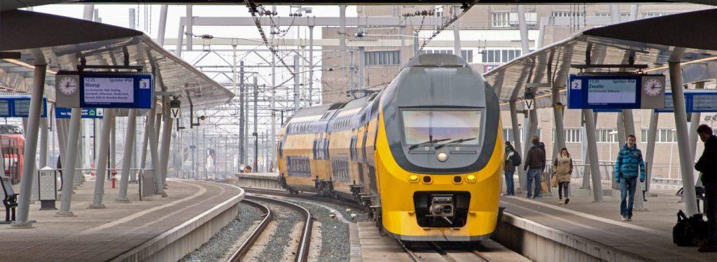 nl قطار هلند