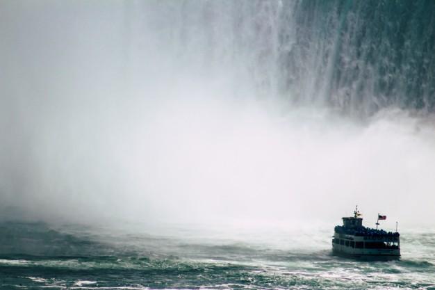 قایق سواری در نیاگارا