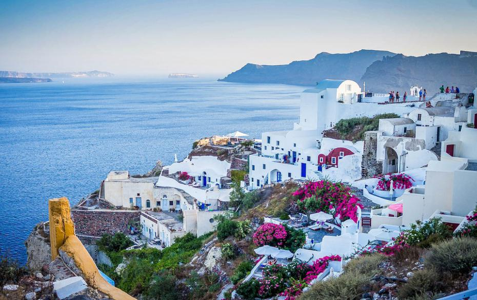 یونان از 14 مه از گردشگران واکسینه شده اتحادیه اروپا و غیر اتحادیه اروپا استقبال می کند